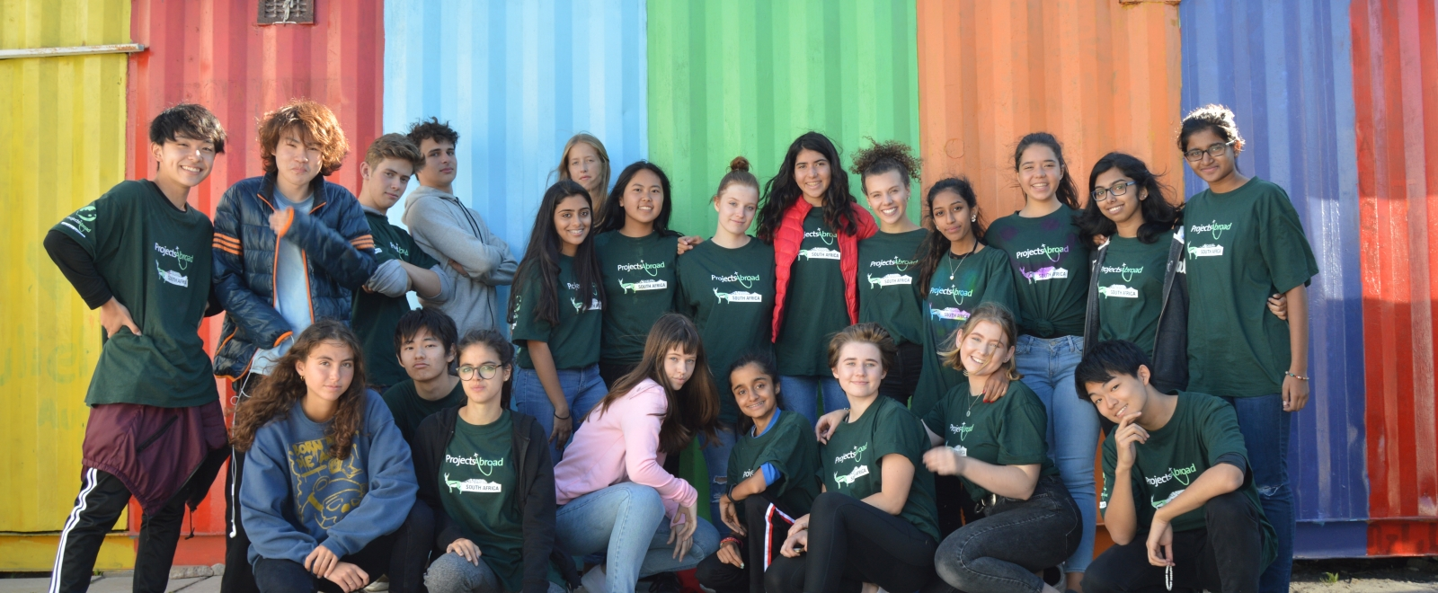 High school students volunteering abroad on Projects Abroad's programmes for 15 year olds.